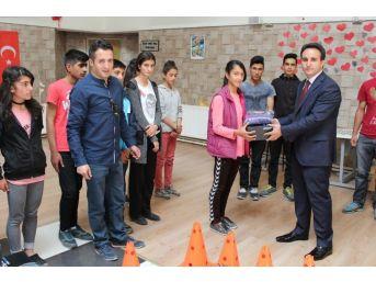Çaldıran Belediyesi'nden Spor Okulları Hazırlık Öğrencilerine Destek