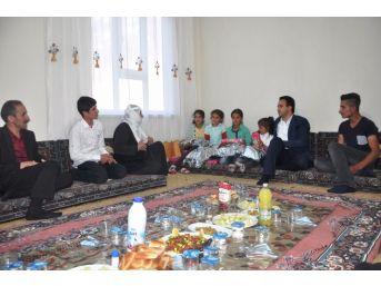 Kaymakam Dundar'dan Yetim Kardeşlere Sürpriz Ziyaret