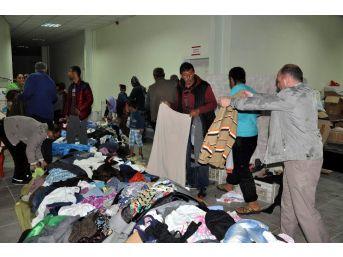 Sorgun'da 300 Aileye Gıda Ve Giysi Yardımı Yapıldı