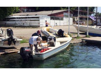 Yasağa Rağmen Sapanca Gölü'nde Motorla Eşini Gezdirdi