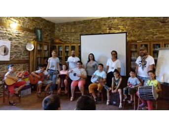 Birgi Çekül Evinden Yaz Okulunda Öğrencilere Eğitim