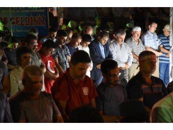 İzmir'de 15 Temmuz Demokrasi Ve Milli Birlik Günü Coşkuyla Kutlanıyor (3)