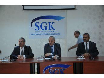 Çalışma Ve Sosyal Güvenlik Bakanlığı Müsteşarı Ahmet Erdem: 'türkiye'de Son 14 Yıllık Dönemde 100 Binde Ölümlü İş Kazası Oranında Yüzde 40,7 Oranında Azalma Meydana Geldi'