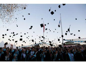 Ömer Halisdemir Üniversitesinde 2 Bin 133 Öğrenci Mezun Oldu