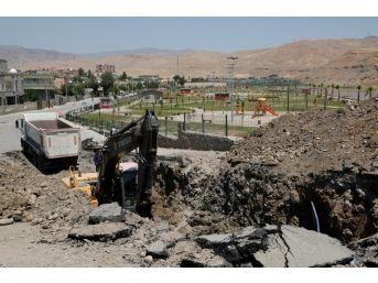 Cizre Belediyesi Kanalizasyon Ana Hatlarının Tamamını Yeniliyor