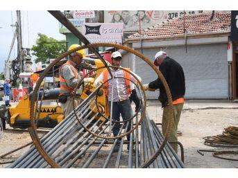 Bostancık'ta 4 Caddenin Kesişimine Köprülü Kavşak