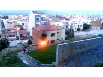 Söke'de Boş Binada Çıkan Yangın Kokuttu