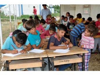 Mevsimlik Işçi Çocukları Için Çadırda Yaz Okulu