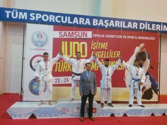 Esenboğa'dan Olimpiyatta Çifte Altın