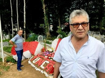 Galatasaraylı Şehidin Mezarına Fenerbahçeli Taraftarlardan Ziyaret