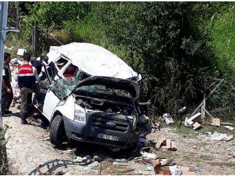 Kastamonu'da Minibüs Takla Attı: 1 Ölü, 1 Yaralı