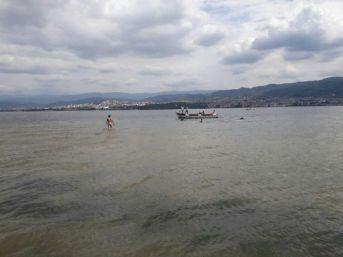 Derince'de Denize Giren Çocuk Boğuldu