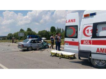Çavdarhisar'da Kaza:  6 Yaralı