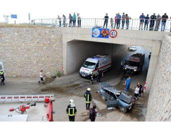 Otomobil Köprüden Uçtu: 1 Ölü, 1 Yaralı