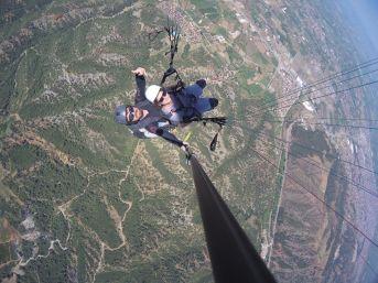 Salihli'de Yamaç Paraşütü Keyfi Başladı