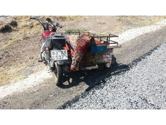 Takla Atan Sepetli Motosikletteki 2 Kişi Yaralandı