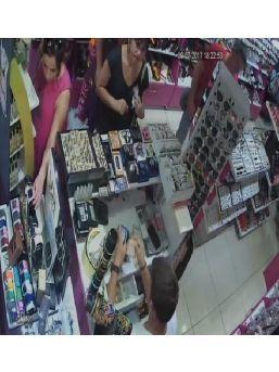 Saat Hırsızlığı Güvenlik Kamerasında