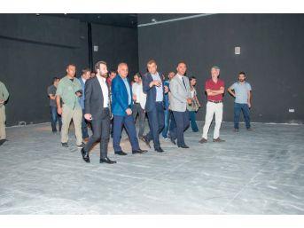 Vali Zorluoğlu, Urartu Müzesi İle Kaya Çelebi Camii'ni İnceledi