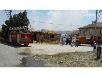 İhsaniye'de Samanlık Yangını