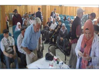 Sandıklı'da Hacı Adaylarına Menenjit Aşısı Yapıldı