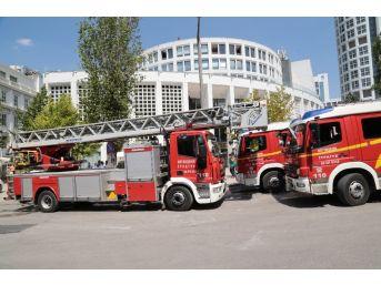 Başkent'te Avm'de Yangın Paniği