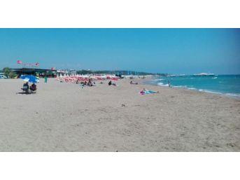 Side Plajında Ziftten Eser Kalmadı