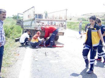 Gönen'de Trafik Kazası: 2 Ölü, 3 Yaralı