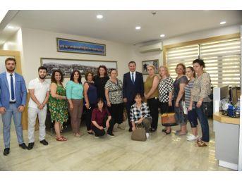 Kosovalı Kadınlar Karesi'de