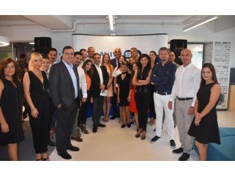 Avivasa Ilk Yeni Nesil Ofisi İzmir'de Açtı