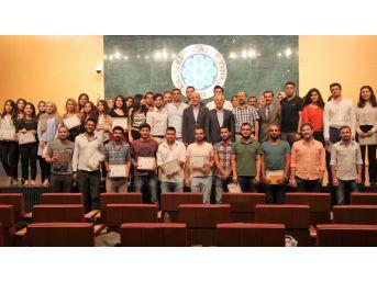 Dış Ticaret Eğitimi Kursiyerleri Törenle Sertifikalarını Aldı