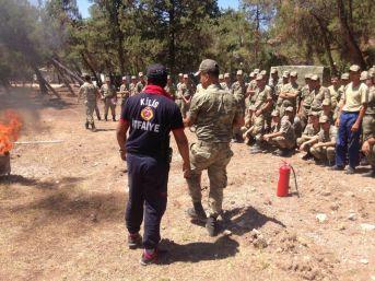 İtfaiye Ekipleri Şehit Mehmet Karakolunda Ve Taburda Personellere Yangın Eğitimi Verildi