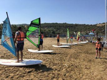İnönü Üniversitesi Öğrencileri Kuşadası'nda Su Sporları Eğitimi Aldı
