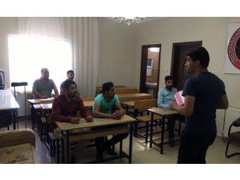 Midyat'ta Engelliler İçin Kpss Kursu Açıldı