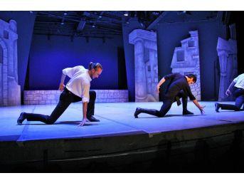 """15. Uluslararası Bodrum Bale Festivali """"zorba"""" İsimli Gösteriyle Başladı"""