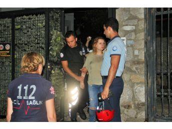 Çatıya Çıkan Rus Turisti Polisler Kurtardı
