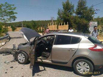 Uşak'ta Meydana Gelen Trafik Kazalarında Bir Kişi Yaşamını Yitirirken 2 Kişi Hafif Yaralandı.