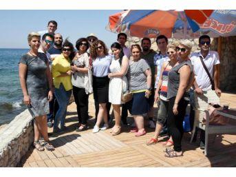 İranlı Turistlerden Van Gölü'nde Tekne Partisi