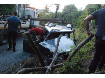 Zonguldak'ta Otomobil Su Kanalına Düştü: 1 Yaralı