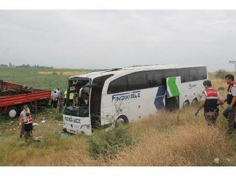 Yolcu Otobüsü Şarampole Yuvarlandı: 5 Ölü, 36 Yaralı (2)