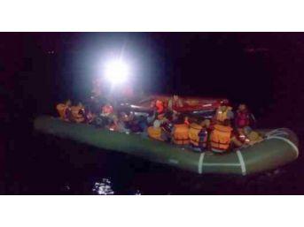 Kuşadası Körfezi'nde 56 Kaçak Göçmen Yakalandı