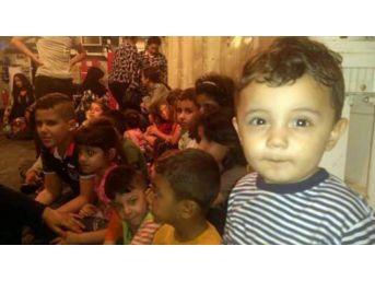 Kuşadası Körfezi'nde İki Operasyonda 79 Kaçak Göçmen Yakalandı