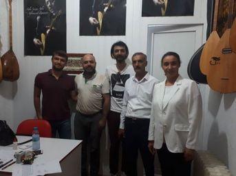 Kırşehir'de 'gençler Abdal Sazı' Yapımını Öğreniyor