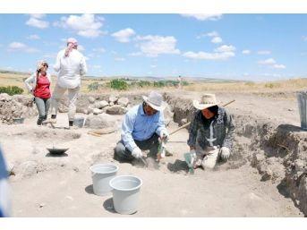 5 Bin Yıllık Yerleşim Alanında Kazıya Devam