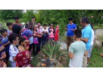 Irmakta Boğulan Genci Arkadaşları Unutmadı