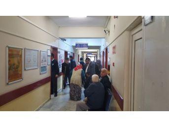 Zonguldak'ta 6 Kişi Zehirlenme Şüphesiyle Hastaneye Kaldırıldı