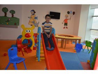 Hastanede Çocuklar İçin Oyun Alanı Kuruldu