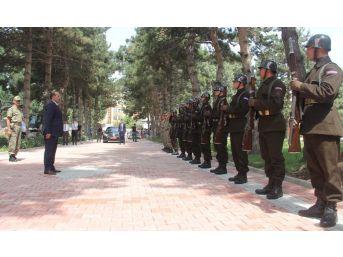 Vali Ustaoğlu'ndan Bölge Komutanlığına Ziyaret
