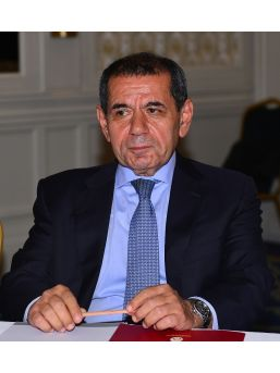 """Dursun Özbek: """"yeni Bir Takım Kurmak İçin 14 Milyon Euro Harcadık"""""""