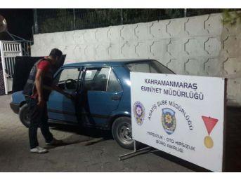 Otomobil Hırsızları Polisten Kaçamadı