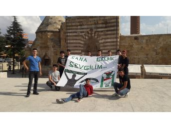 Liselilerden Kırşehir Belediyespor'a Destek